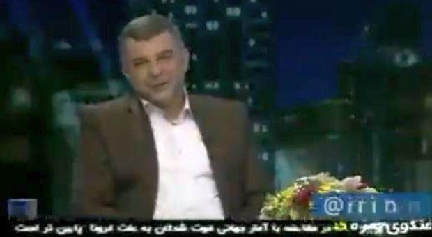 Iran, il viceministro spiega in tv come difendersi dal coronavirus mentre tossisce: è infetto ma ancora non lo sa