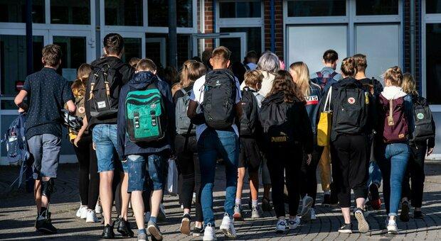«Virus, 260 positivi a scuola», panico in Georgia: tamponi e test a raffica
