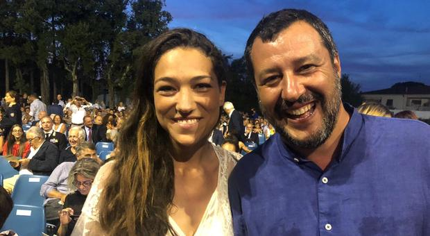Matteo Salvini e Francesca Verdini, selfie e sorrisi a Forte dei Marmi