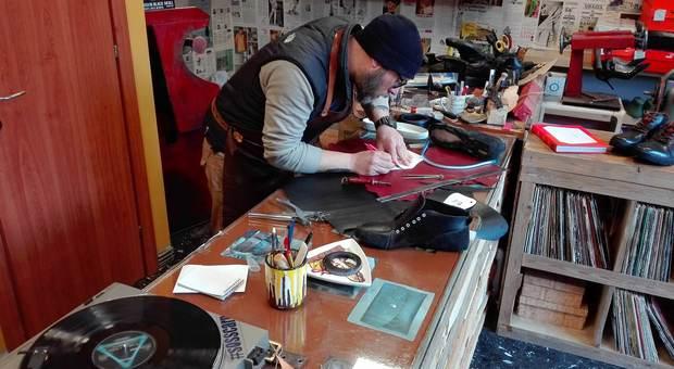 CuoYo, il sogno di Matteo Ferri: da calzolaio dei vip ad artigiano di scarpe