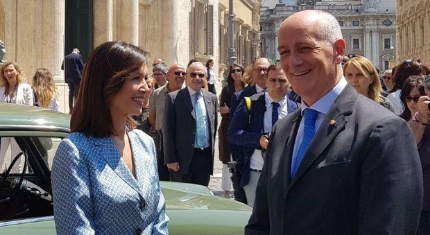 La vicepresidente della Camera Mara Carfagna con il capo della polizia Franco Gabrielli