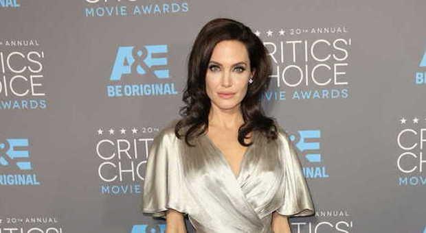 Coronavirus, Angelina Jolie dona un milione di dollari per sfamare i bambini
