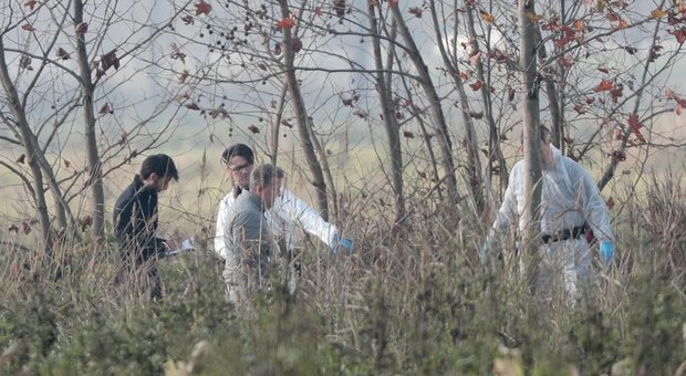 Brescia, uccide la compagna a bastonate e si impicca. Aveva scritto su Facebook: «La ammazzerò»