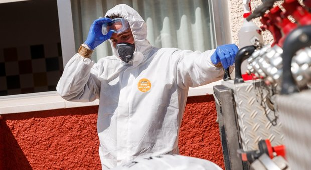 Coronavirus, Aifa: i medici di famiglia potranno prescrivere farmaci anti-Aids contro il Covid-19