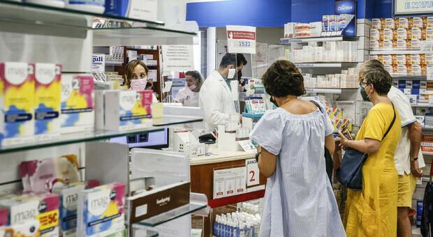 Farmaci, consumi in calo di antibiotici, Fans e prime terapie causa Covid tra gli over 65: rapporto Aifa