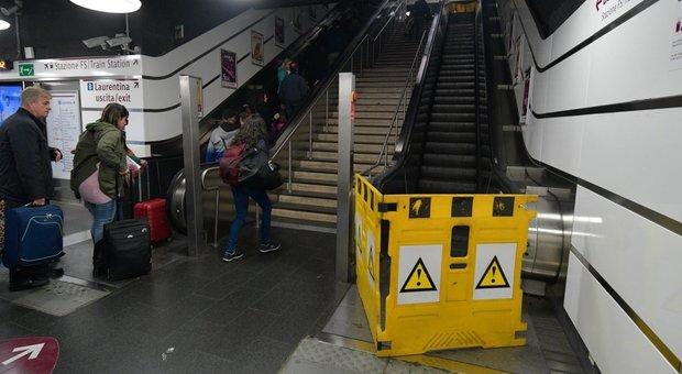 Incubo scale mobili nella metro: 800 guasti al mese, gli addetti alla manutenzione: «I freni sono difettosi»