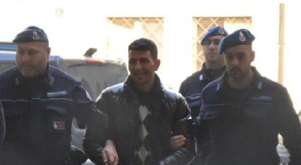 Mohamed Barbri all'arrivo in Procura a Rovigo questa mattina