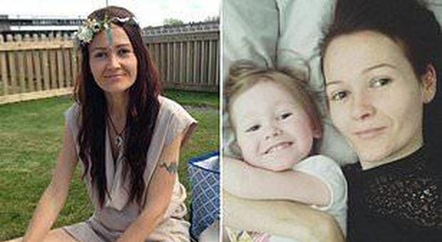 Muore giovane mamma dopo aver rifiutato la chemio per curarsi con dieta vegana