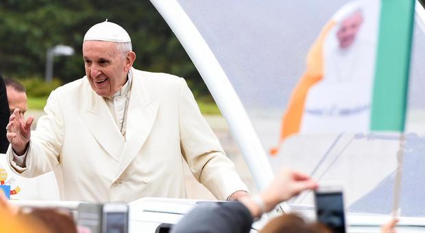Ex nunzio Usa denuncia la lobby gay, tutti sapevano di McCarrick anche Bergoglio