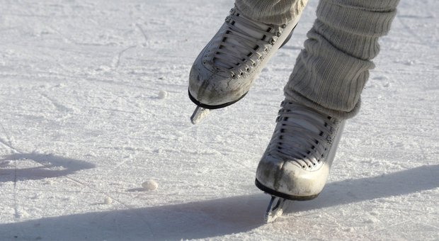 Belluno. Le auto passano sul cavo: la pista di ghiaccio deve chiudere (Foto di annca da Pixabay)