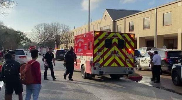 Texas, sparatoria in un liceo: 16enne ucciso da un suo compagno di classe