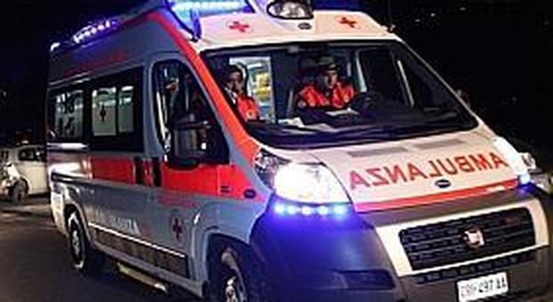 San Benedetto, furiosa rissa in piazza: all'ospedale uno straniero preso a bottigliate in testa