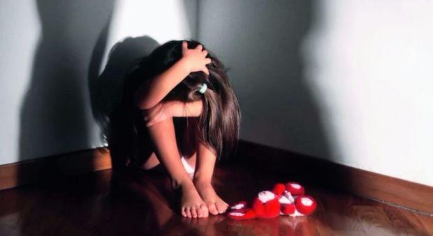 Rimini, turista 20enne stuprata in hotel: indagati due allievi poliziotti bresciani