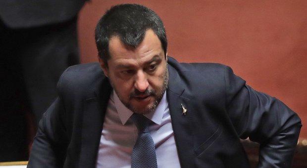 Bus dirottato a Milano, Salvini: «L'autista è una bestia ignorante»