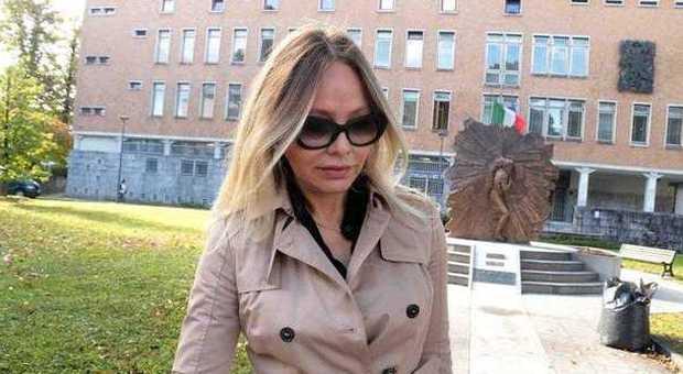 IN TRIBUNALE - Ornella Muti in Tribunale a Pordenone dopo un'udienza (Pressphoto)