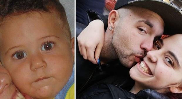 Novara, bimbo morto: arrestati madre e compagno. Il pm: «Corpo martoriato»
