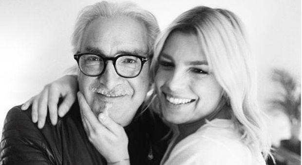 Emma Marrone con papà Rosario a C'è Posta Per Te: «So che dopo la malattia si ha paura, io ho fatto il giro tre volte, goditi la vita»