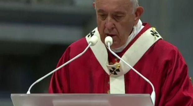 Papa Francesco: sbagliato desiderare senza limiti, arginiamo i nostri desideri anche per limitare le guerre