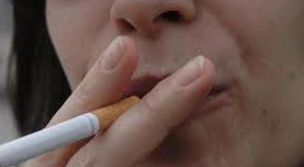 """Fumo, una sigaretta """"costa"""" 14 minuti di vita Gli oncologi scrivono a Renzi: «Collabori con noi nella lotta al tabacco»"""
