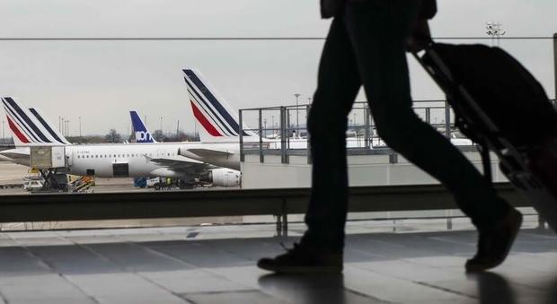 Vacanze, Ue riapre al turismo tra Paesi con gli stessi contagi: «Gli aerei? No posti vuoti»