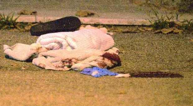 Un asciugamano con cui è stata soccorsa la donna