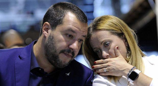 Un sondaggio agita M5S e Berlusconi: Lega-Meloni al 46%