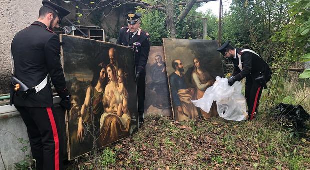 Nel casolare abbandonato trovati dipinti del XVII secolo rubati