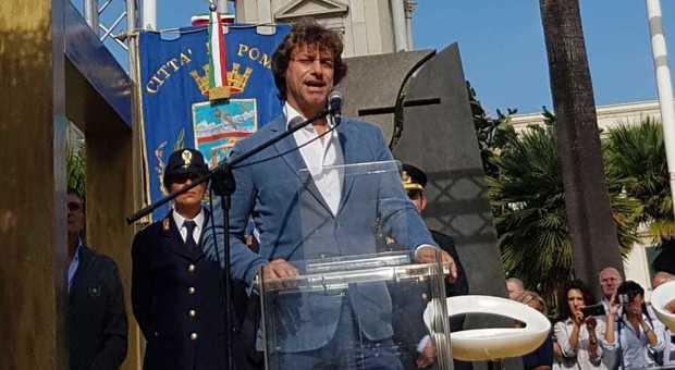 Alberto Angela cittadino onorario di Pompei: la cerimonia in piazza Bartolo Longo  (Newfotosud, Sergio Siano)