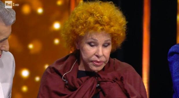 Ornella Vanoni dorme in studio, imbarazzo Amadeus a Ora o mai Più