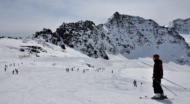 Solda, sciare davanti ai ghiacciai dell'Ortles