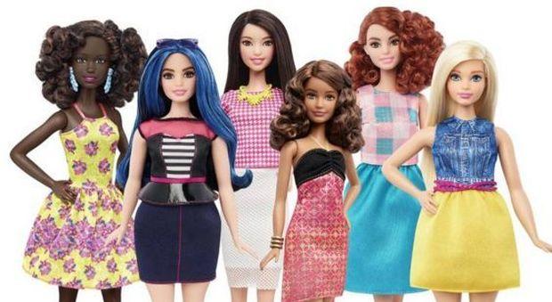Rivoluzione in casa Mattel, arrivano le Barbie curvy e basse