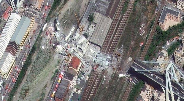 Crollo ponte Genova, si scava ancora alla ricerca dei dispersi