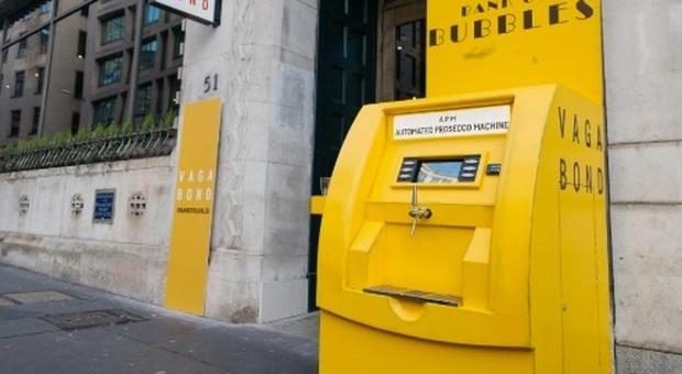 Distributore automatico di Prosecco al posto del bancomat: la trovata a Londra (Foto di eroyka da Pixabay)