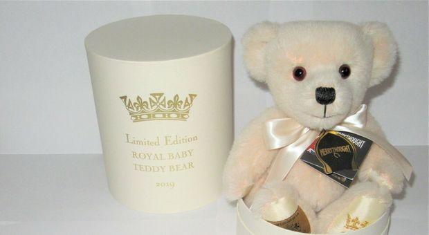 Royal baby, gli orsetti-bomboniera in vendita su eBay per 2.500 sterline