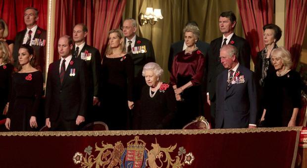 Meghan Markle e Kate Middleton allo stesso evento, ma la foto viene tagliata