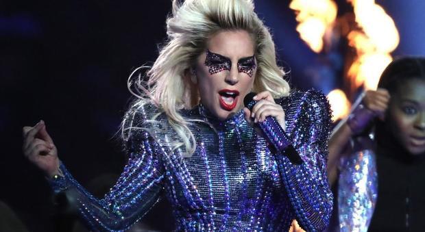 Fibromialgia, i dolori di Lady Gaga: ecco perché non riesce a muoversi