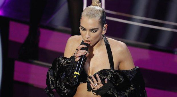 Sanremo, scaletta quarta serata: i 24 cantanti con l'ordine di uscita e gli ospiti