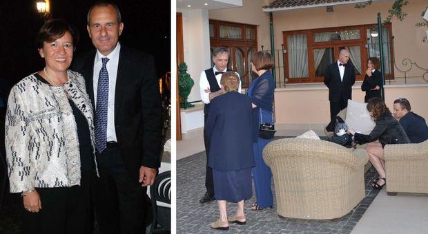 Rissa e coltellate alla festa di matrimonio, tra gli invitati il ministro Trenta accompagnata dal marito