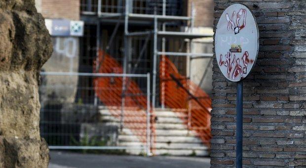 Roma, pali divelti e targhe rotte: l'odissea da Prati al Centro