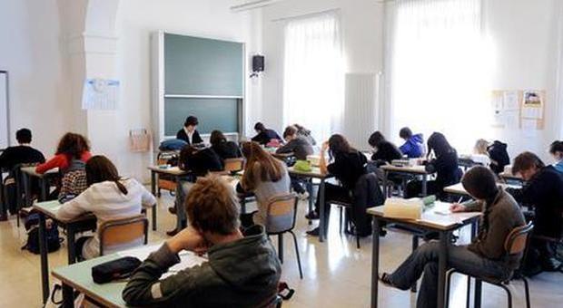 Arezzo, escluso dalla gita scolastica per scarsi risultati. Dodici anni dopo, chiede 400mila euro di danni al liceo