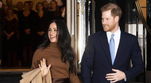 Harry vola in Canada: il principe è partito per raggiungere Meghan e Archie