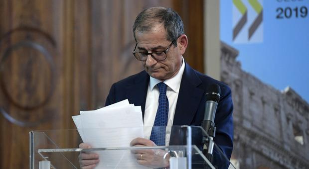 Decreto crescita, pressing di Conte: la Ue non aspetta. Piano per sostituire Tria dopo il voto