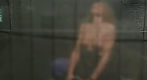 Sesso sotto il ponte di Calatrava Venezia, trovata morta la donna del video di Carnevale