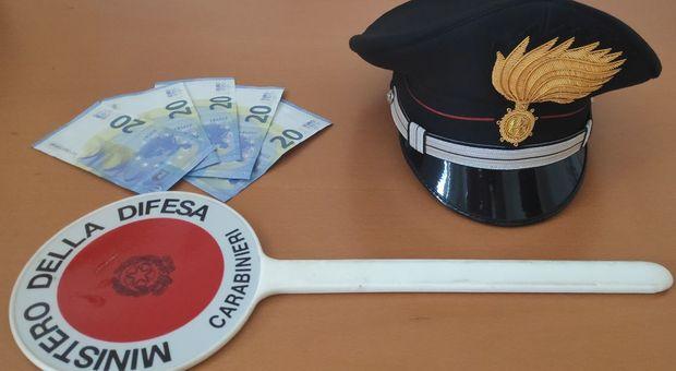 Le banconote sequestrate dai carabinieri di Schio