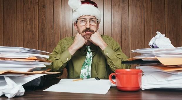 Lavorare a Natale: dieci consigli per superare la tristezza