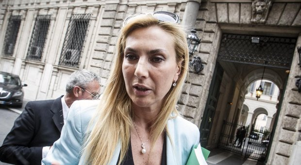 Forza Italia, Biancofiore lascia il partito e passa al gruppo misto: «Siamo diventati come i grillini»