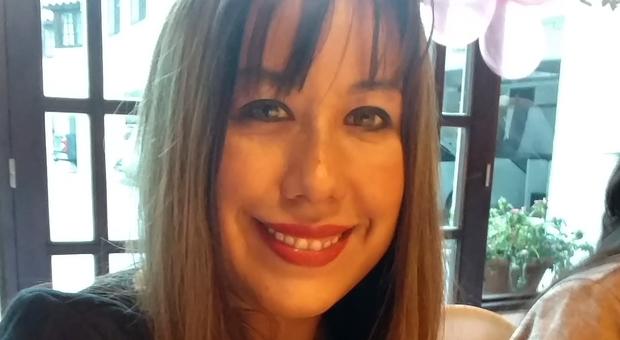 Uccisa a 40 anni in albergo, agente di polizia scatta le foto al corpo della donna e le diffonde su whatsapp
