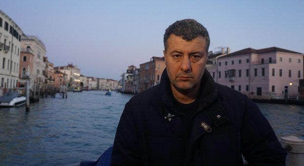 Arturo Scotto (Mdp) aggredito a Venezia: «Una squadraccia inneggiava al Duce»