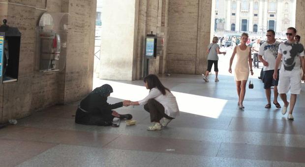 Roma, si fingevano invalidi per chiedere l'elemosina: tre denunce a San Pietro