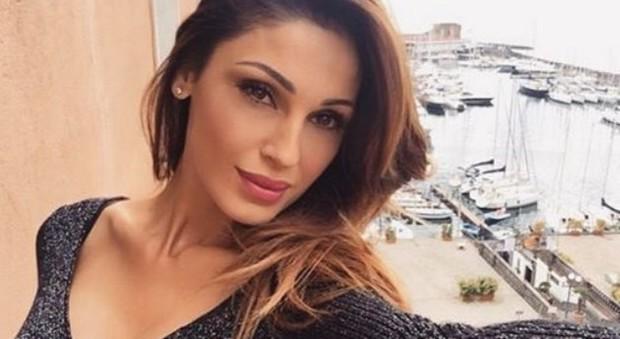 Anna Tatangelo rompe il silenzio: «Con Gigi è finita, ma non per i soldi»